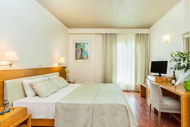 Anastasia Resort & Spa - suită deluxe cu vedere la mare